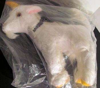 1981 Treasure Masters Lancelot Unicorn with Long Beard