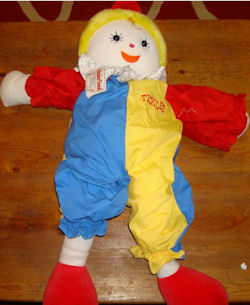 kindergund tickles clown, Searching – 1988 KinderGUND TICKLES BLUE & YELLOW CLOWN Wearing REMOVABLE COSTUME