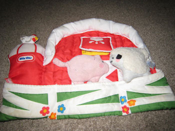 , Searching – 90's Little Tikes CLOTH BARN with COW, PIG, SHEEP