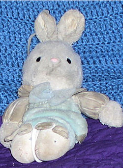 90's Carter's White Rabbit with Green Crib Pull Legs - Twinkle Twinkle Little Star