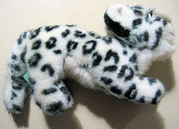 APPLAUSE Snow Leopard Curved Back