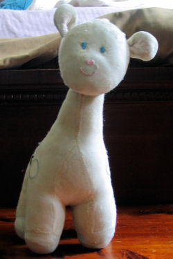 , Searching – 2002 Carter's PASTEL YELLOW GIRAFFE with SPOTS MUSICAL & HEAD MOVES