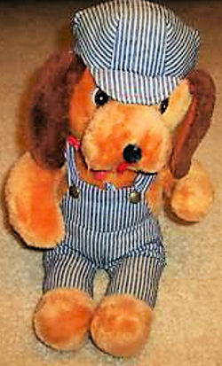 , DISCONTINUED – 70's Knickerbocker CASEY JONES BEAGLE DOG Wearing GRAY & BLUE ENGINEER OVERALLS & CAP