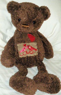 , DISCONTINUED But Still Searching – Valentine's 2009 DanDee CHOCOLATE SCENTED BROWN BEAR with HEART & LOVE PATCH with BIRD