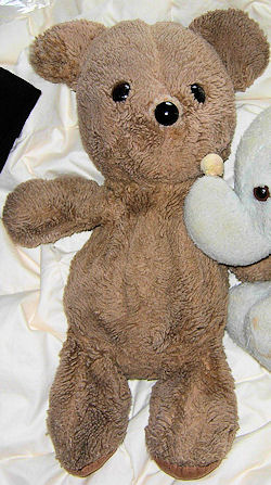 gund k-3 bear, Searching – 1981 GUND BROWN BEAR  with K-3 on TAG