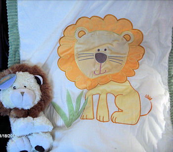 Little Miracles Lion blanket
