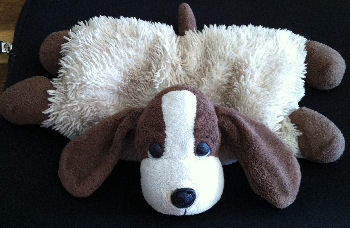 2007 White & Brown Pillow Pet Style Dog