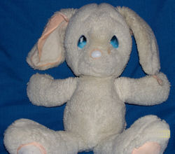 , FOUND – 1985 APPLAUSE Precious Moments WHITE & PINK RABBIT