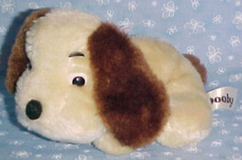 70's RUSS Dooby Cream Dog