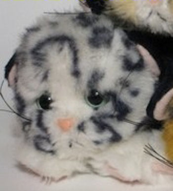 1992 TYCO Snow Leopard White & Black Kitty Kitty Kitten