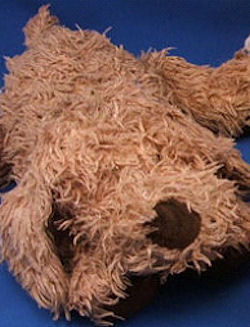, FOUND – 2003 TY SHAGGY Floppy Chenille WHITE Lying Down DOG with BROWN EAR & EYE PATCH