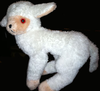 1979 White Lamb with Peach Face & Feet