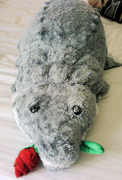 Walmart 2005 Valentine's Large Gray Alligator with Rose in his Mouth