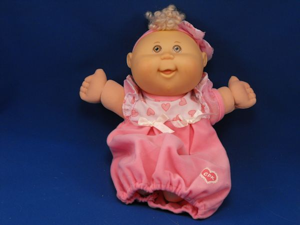 2005 Cabbage Patch CPK Blond Infant Doll Brown Eyes Pink Sacque Gown