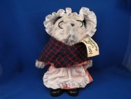 1983 Eden Paddington Bear Aunt Lucy PERU COSTUME Boots Tag