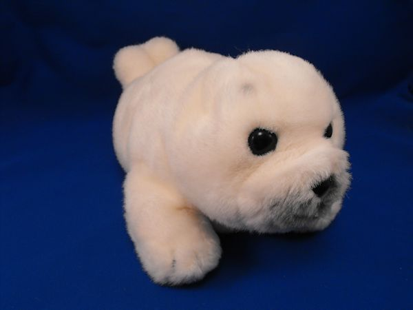 1985 DAKIN Large White Harp Seal Full Body Puppet