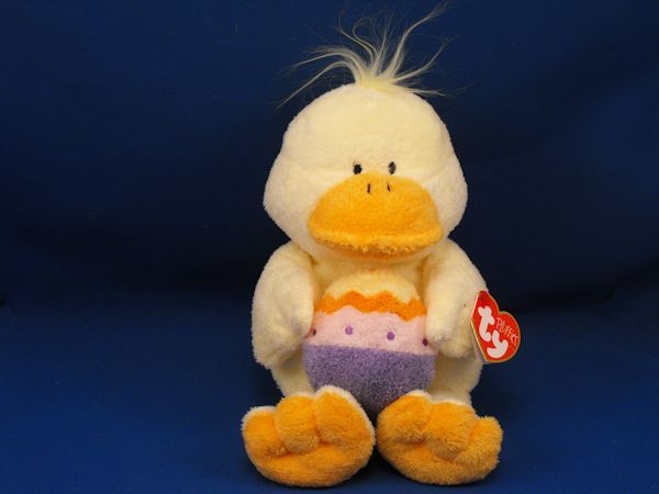 2005 TY Pluffies Yellow Duck Holding Easter Egg QUACKIES