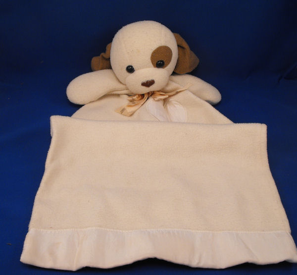 DAKIN Cream Brown Dog Blankie Bow Printed 2000 Millennium